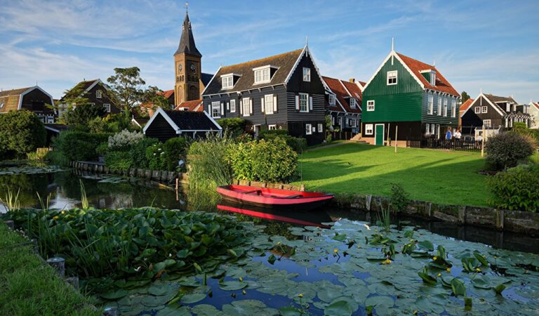 Netherlands Travel List | 12 Most Beautiful Netherlands Places!